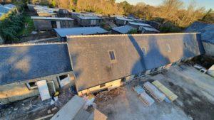 Rénovation-toiture-Bergerie-Château-de-kerlut-10-300x169