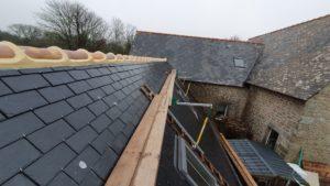 Rénovation-toiture-Bergerie-Château-de-kerlut-6-300x169