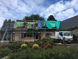 rénovation-toiture-corps-de-ferme-ardoise-2-300x225