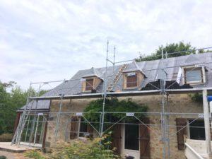rénovation-toiture-corps-de-ferme-ardoise-3-300x225
