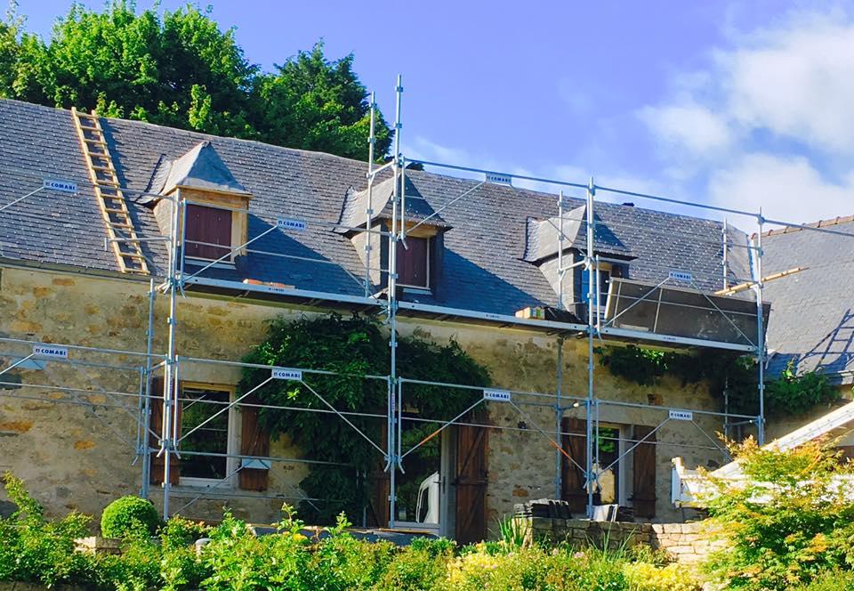 rénovation-toiture-corps-de-ferme-ardoise
