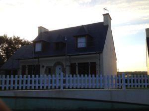 rénovation-toiture-maison-ardoise-Pont-Labbé-1-300x225