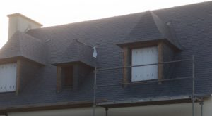 rénovation-toiture-maison-ardoise-Pont-Labbé-3-300x165